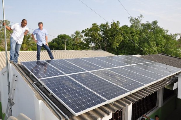 Paneles-solar-en-colombia.jpg